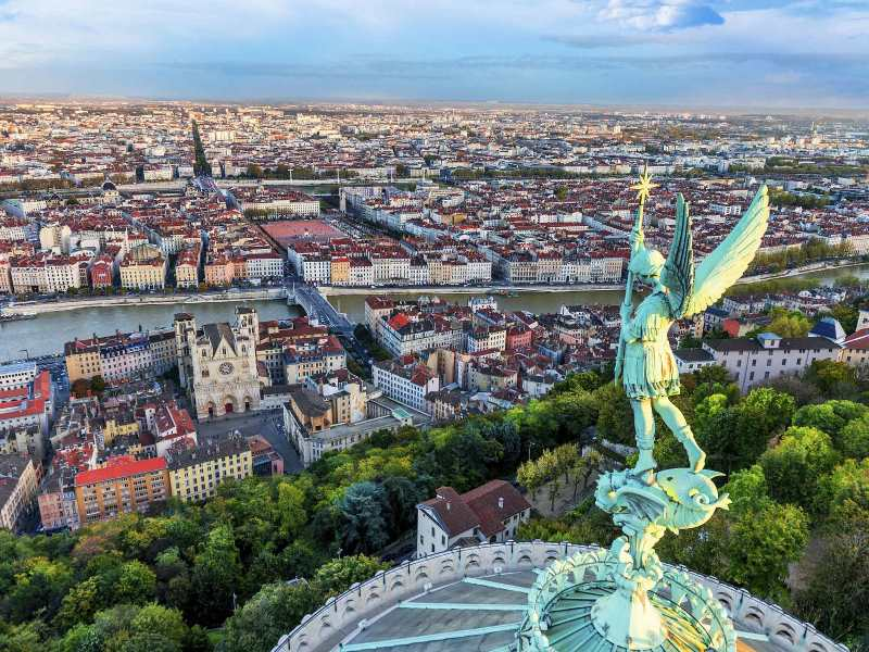 Ghidul Romanilor la Lyon