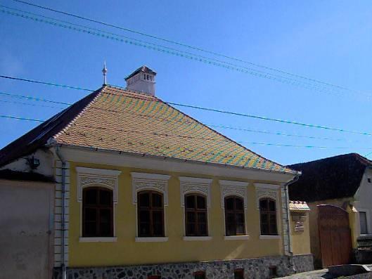 Rhone-Roumanie: La Maison de la Culture d'Apaţa