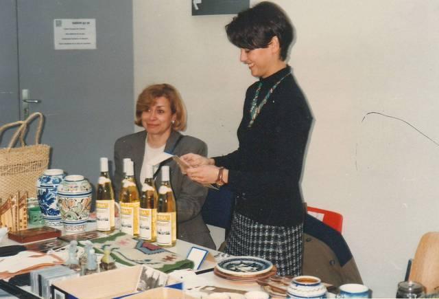 Rhone-Roumanie: Exposition avec vente d'artisanat roumain, Francoise Longre et Loretta Batali,