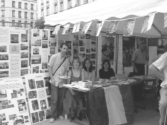 Rhone-Roumanie: Une vue du stand de l'Association